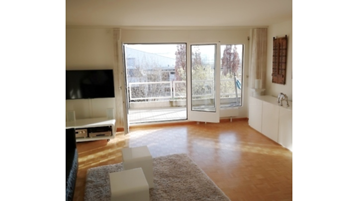 Room in shared apartment in Frauenkappelen (BE), furnished