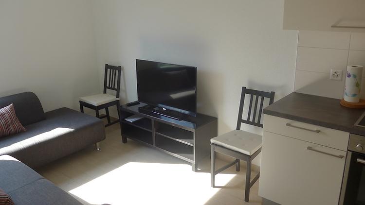 2 zimmer wohnung in gen ve centre m bliert nr 45682 ums ag untermietservice schweiz. Black Bedroom Furniture Sets. Home Design Ideas